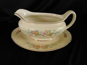 Homer Laughlin Ferndale GRAVY BOAT with UNDERPLATE have more items to set