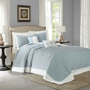 Luxury 5pc Blue & Ivory Reversible Textured Bedspread Set AND Decorative Pillows