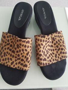 Ladies Aerosoles Slip On's   Leopard  Pattern Size 6 Low Wedge slip ons soft top