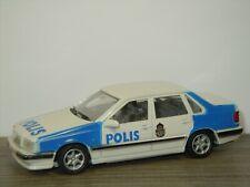 Volvo 850 GLT Saloon 1992 Polis - AHC Models 1:43 *42345