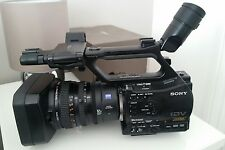 SONY HVR-Z7E 1080 HD Caméscope-PAL avec batterie
