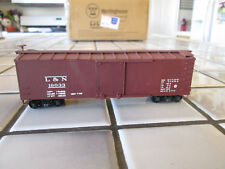train miniature LOUISVILLE AND NASHVILLE 40 foot box car HO scale /spring trucks