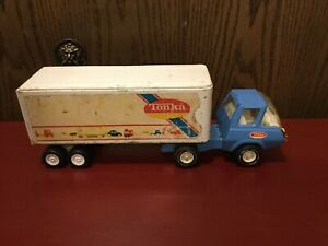 """Vintage Tonka Tractor Trailer Semi Blue And White 1970's 16"""" Pressed Steel."""