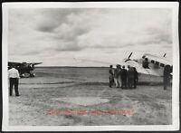 1930S AIRPORT VTG ORIG AMATEUR FOUND SNAPSHOT PHOTO PLANE AIRPLANE 3