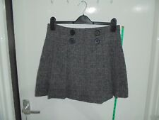 Ladies PAPAYA Size 12 Black & White Pleated Banded Waist Lined Short Skirt
