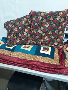 THE ROSE GARDEN HOMEMADE QUILT FULL SIZE 64 x 80 WITH 2 PILLOWS