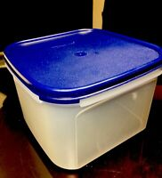 TUPPERWARE NEW USA VINTAGE MODULAR MATES #1620 CONTAINER 11 CUPS W BLUE SEAL