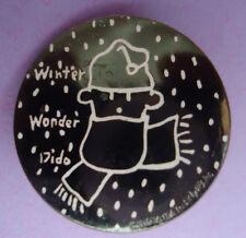 Pin's pin FIDO DIDO WINTER WONDER DIDO SUR FOND NOIR 28 mm (ref 046)