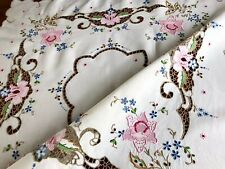 Beautiful Vintage Hand Embroidered Cutwork Cream Linen Tablecloth & 4 Napkins