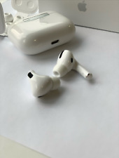 Apple AirPods Pro with Wireless Charging Case White Original New Sealed Box 🎄FS