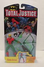 Batman Total Justice GREEN ARROW 1997 Action Figure