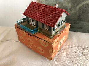"""Vintage Faller 200 House w/Box 4"""" X 3.25"""" Nice condition"""