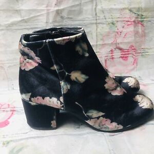 Circus Sam Edelman Women Size 7 Navy Blue Velvet Floral Ankle Booties Boots