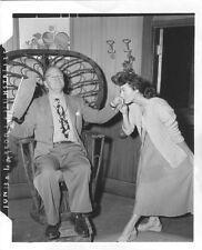 Rare AVA GARDNER Original FILM NOIR Vintage 47 CANDID KISS Movie Photo THE BRIBE