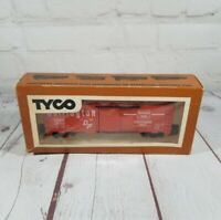 TYCO Burlington Northern RED Box Car.  HO SCALE. MADE IN USA-VINTAGE