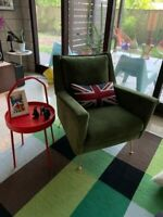 Carlo Mid-Century Chair green velvet and bronce legs