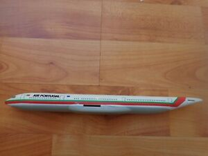 1:200 AIR PORTUGAL AIRBUS A340 AIRCRAFT PLASTIC PLANE BODY ONLY