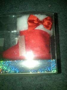 NWT INFANT GIRLS RED CHRISTMAS BOOTS BY NURSERY RHYME SIZE 0-6 MONTHS CUTE!