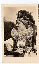 RUSSIE Russia Théme Types russes costumes personnage  jeune femme costume coiffe