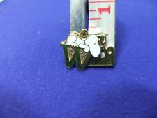 vtg snoopy pendant charm letter initial W green 1970s peanuts schulz cartoon