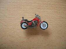 Pin Anstecker Suzuki Intruder VS 800 / VS80 rot red Motorrad 0109 Motorbike Moto