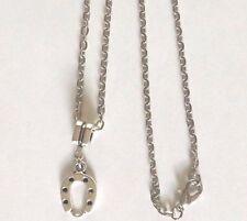 collier argenté 46 cm avec pendentif porte bonheur fer à cheval 19x12mm