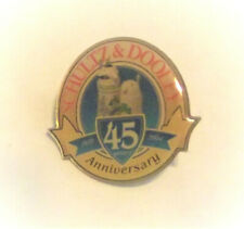 Schultz and Dooley Beer Steins 45th Anniversary 2004 Lapel Hat Pin Breweriana