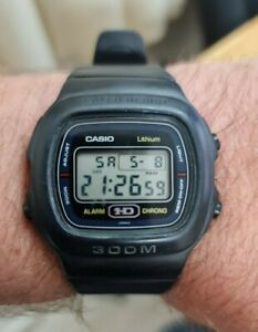 Vintage Casio HD DW-310  690 Digital Alarm Chrono Diver 300m quartz watch Japan