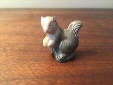 Wade England Porcelain Whimsies Figurine 159-21: Squirrel (Red Rose Tea)