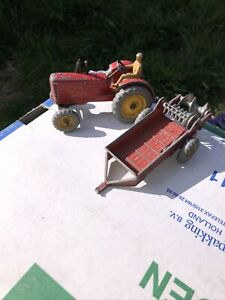 DINKY TOYS MASSEY HARRIS TRACTOR & MANURE SPREADER,