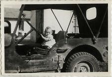 PHOTO ANCIENNE - VINTAGE SNAPSHOT - VOITURE AUTOMOBILE JEEP ENFANT CONDUIRE -CAR