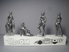 4  FIGURINES 1/43  SET  320  LE  BAIN  VROOM  UNPAINTED  NUDE  GIRLS