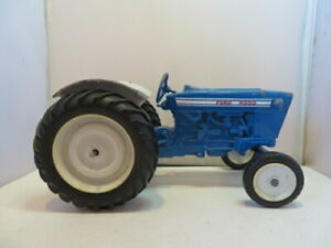 FORD 4000 TRACTOR DIE CAST METAL 1/16 Tractor Repair/Restore