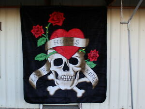 SKULL LOVE HURTS DEEPLY HEART FLOWER ROSE QUEEN SIZE BLANKET