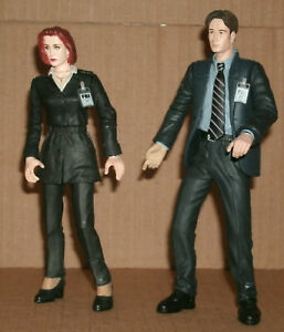 """Two 1/12 Scale X-Files Action Figures (6"""") Skully & Mulder FBI Agents McFarlane"""