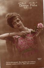 CPA - Jeune femme - C'est la fête au Poilu.....