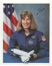N. Jan Davis - Nasa Astronaut - Signed Official Nasa 8x10 Photograph