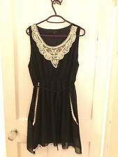 Women's S&M Navy mini sleeveless dress with lace detail M/L, used