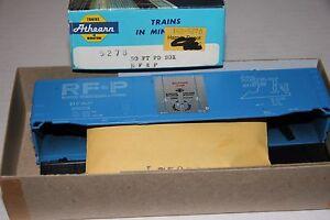 ATHEARN  #5278   50' PLUG DOOR BOX CAR KIT  R.F.& P.   NEW