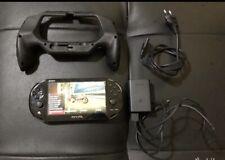 Sony PlayStation Vita Wi-Fi Console - Nera Con Gioco MotoGP+ Impugnatura