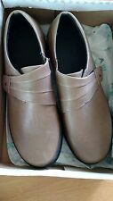 APEX A832 Taupe Classic Monk Leather Loafer Adjustable Strap Womens 9.5 Medium B