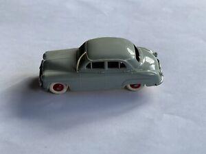 NOREV N°1: SIMCA 9 ARONDE 1955 en PLASTIQUE 1/43 PLANCHER DORÉ TRÈS RARE .