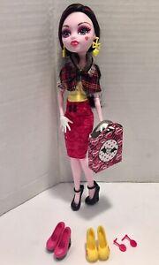 Mattel - Monster High - I Heart Love Shoes , Draculaura Doll