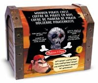 Melissa & Doug Madera Pirata Pecho Falso Playset de Juguete con Accesorios