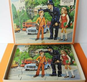 """VICTORY VINTAGE 1977 CHILDS HAND CUT WOODEN JIGSAW PUZZLE """"THE POLICEMAN"""" 30 Pc"""