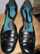 Aerosoles black ladies leather shoes size 5.5, brand new