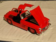 NEW 1:24 Mercedes-Benz 300SL gullwing Red Variant licensed Welly Diecast Car