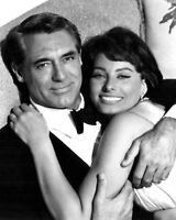 """CARY GRANT AND SOPHIA LOREN IN """"HOUSEBOAT"""" - 8X10 PUBLICITY PHOTO (AZ326)"""
