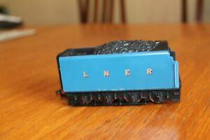 "hornby 00 gauge LNER ""Mallard"" powered tender."