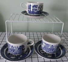 Johnson Bors blue willow cups & saucers from England